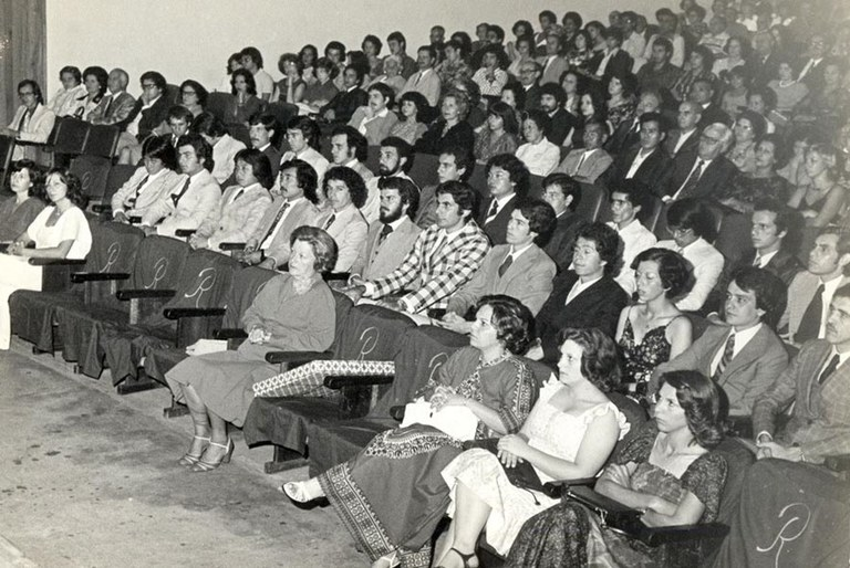 Graduation ceremony of the second class of Materials Engineering at UFSCar in 1976