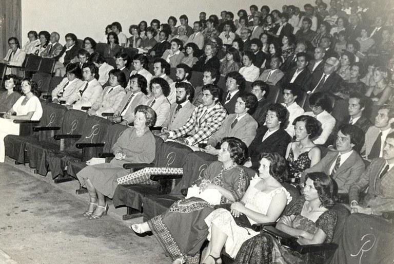 Formatura da segunda turma de Engenharia de Materiais da UFSCar em 1976.